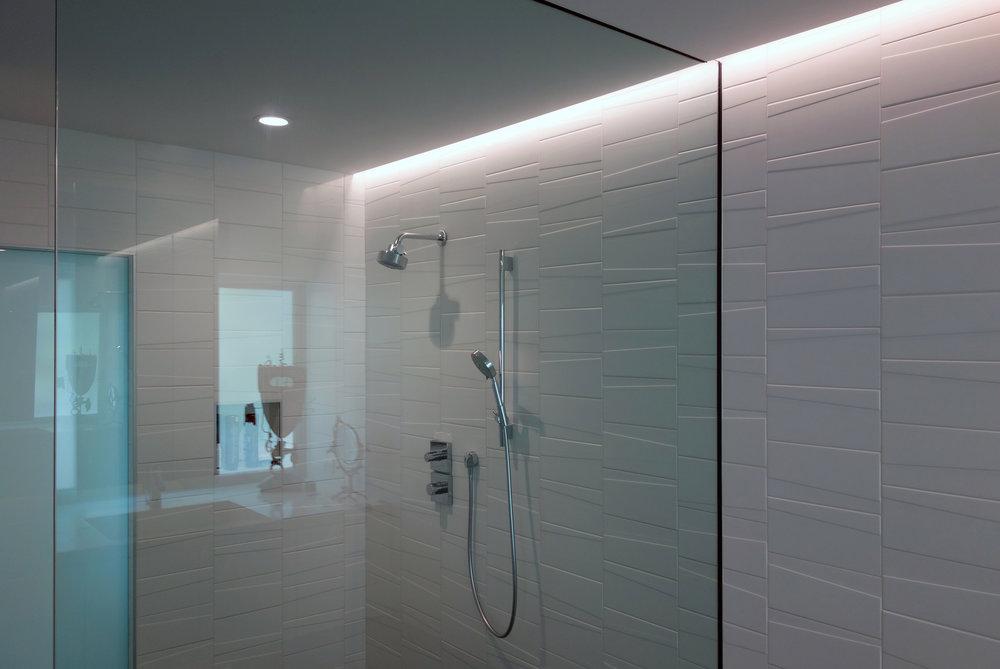 1070-lido-remodeled-master-shower