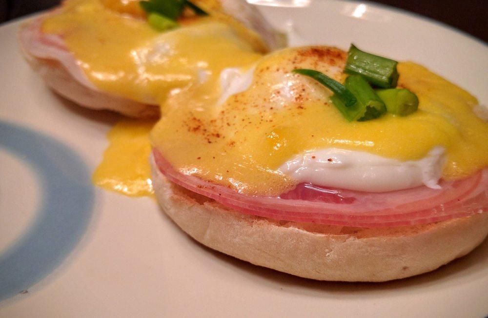 eggs-benedict (1).jpg