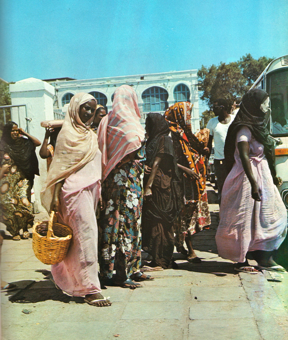 lost-soul-in-paradise :      endilletante :     Djibouti, editions Delroisse.     ❤️❤️❤️❤️