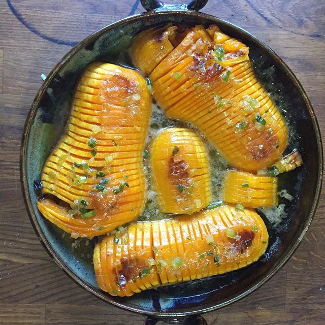 Hasselback butternut squash baked with maple onion butter in Roasting Pan