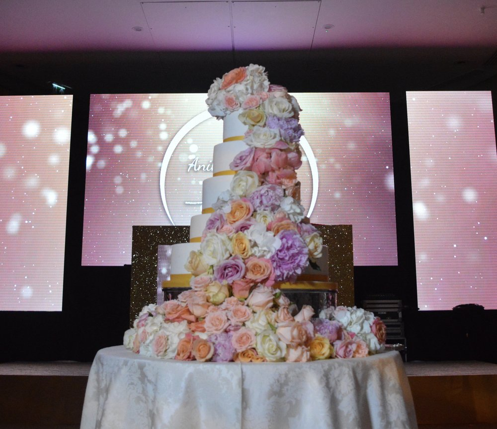 Sugar Flowers wedding Cake, wedding cake, custom wedding cake, custom wedding cake london, bespoke cake