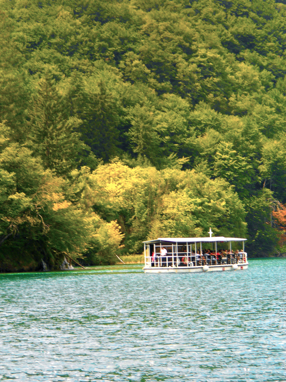 Plitvice Lakes National Parks Croatia boat on lake.png