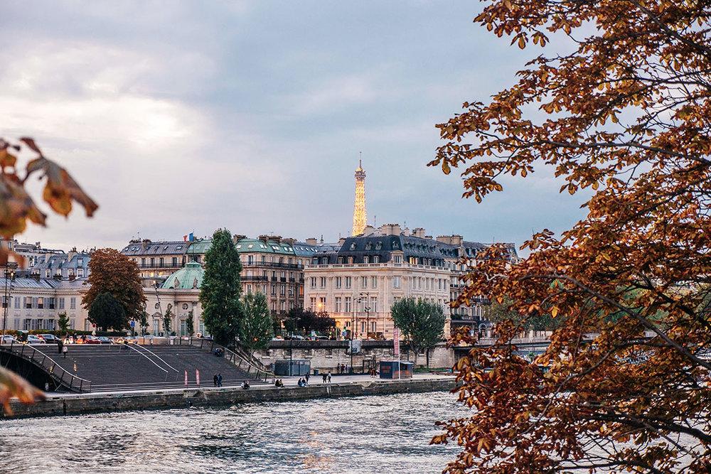 paris-arrondissements-eiffel-tower.jpg