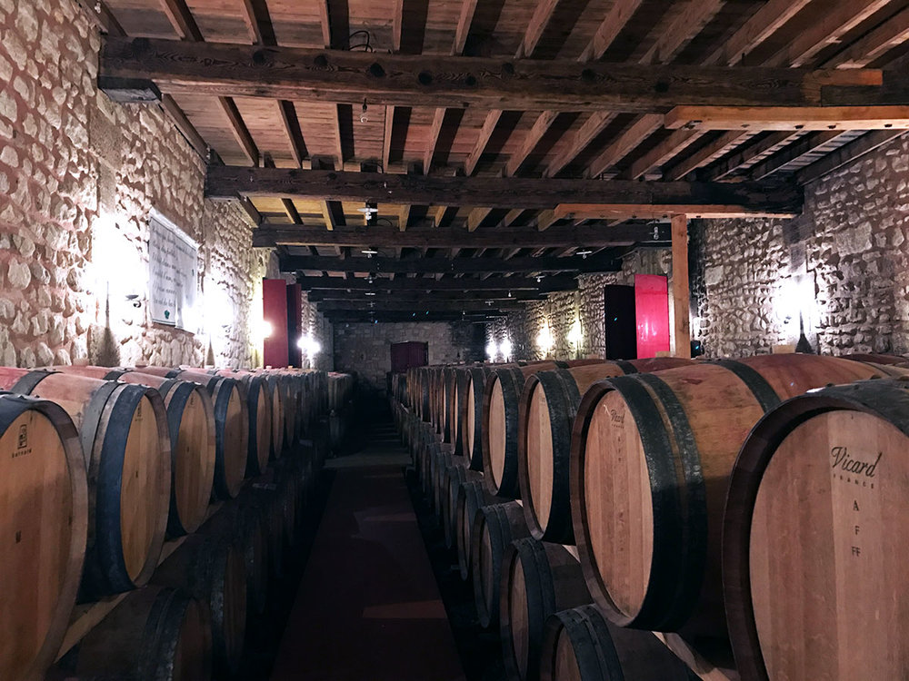 Bordeaux-wine-barrel-room.jpg