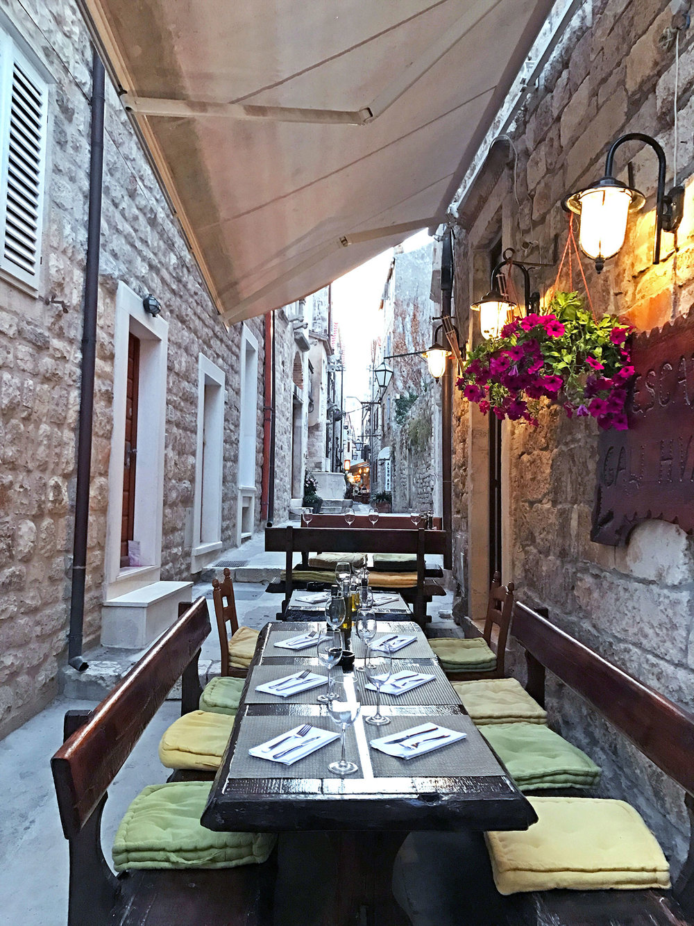 Hvar-Croatia-alley.jpg