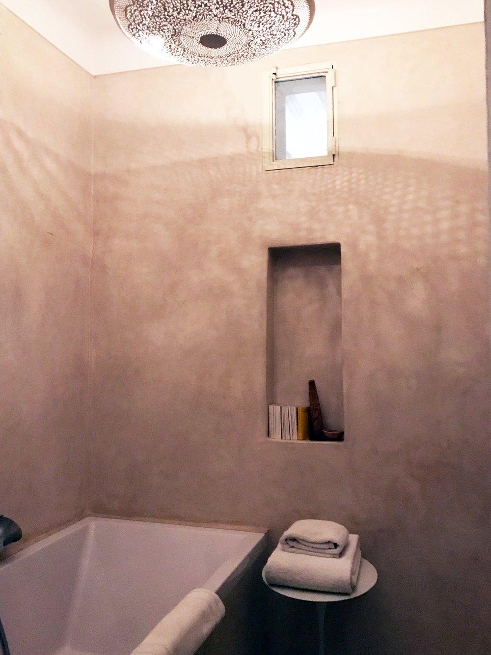 marrakesh-riad-be-mena-bathroom-tan.jpg