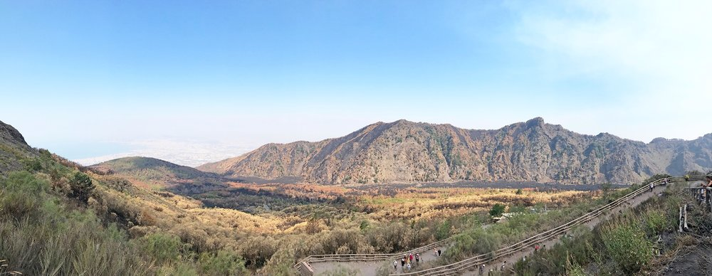Mount-Vesuvius-Italy-hike.jpg