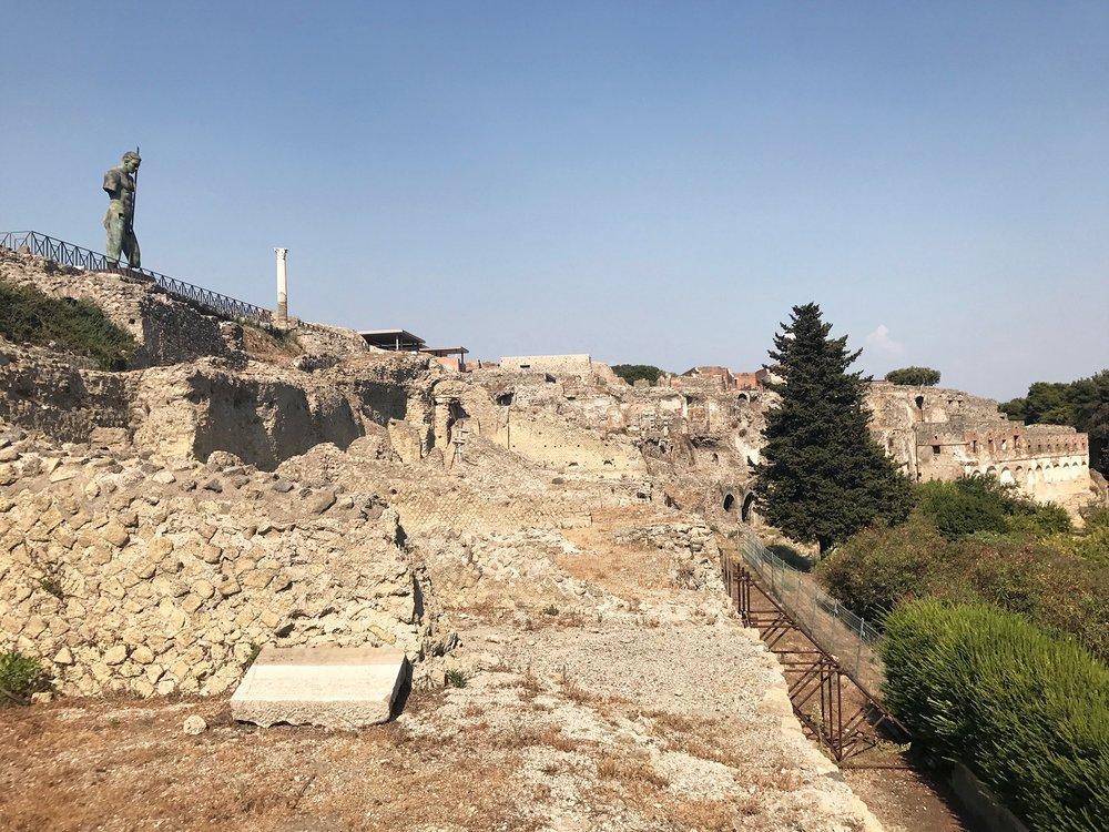 Pompeii-Italy.jpg