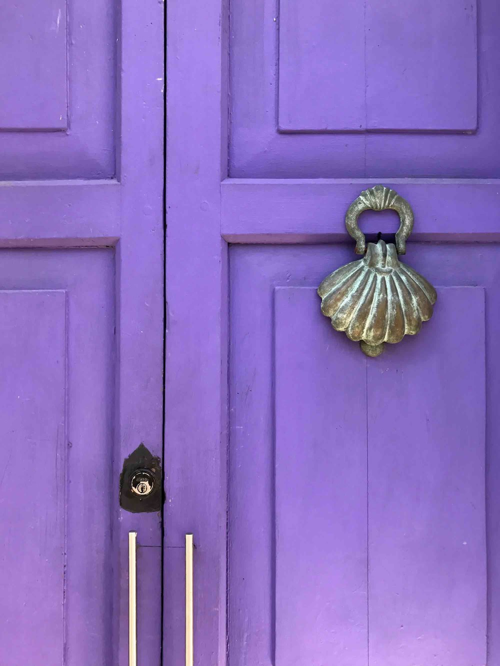 seashell door knocker | Doors and Door Knockers of Cartagena, Colombia