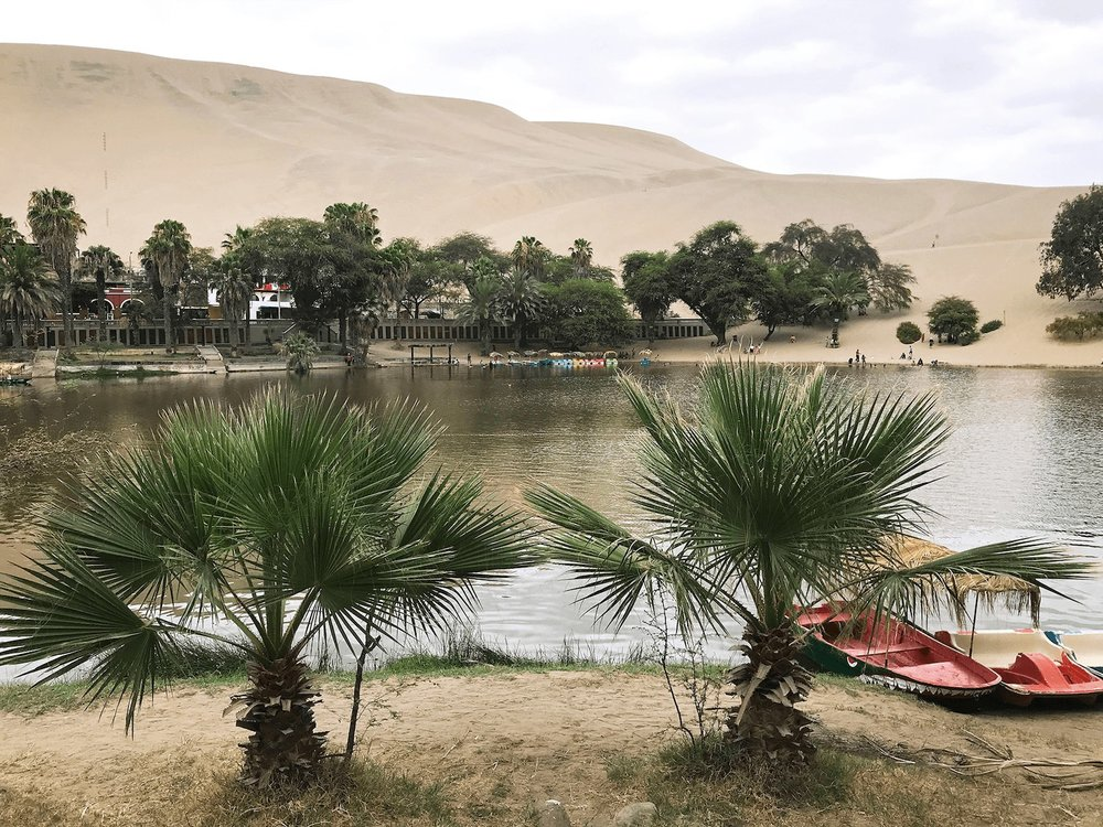 Huacachina Peru oasis lake