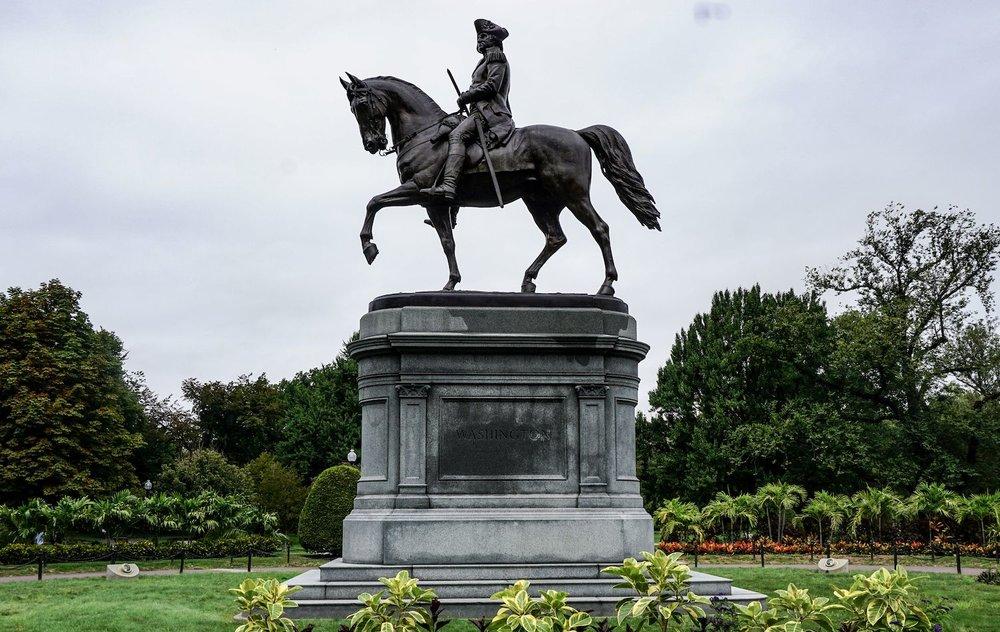 Washington statue of Washington in Boston Gardens