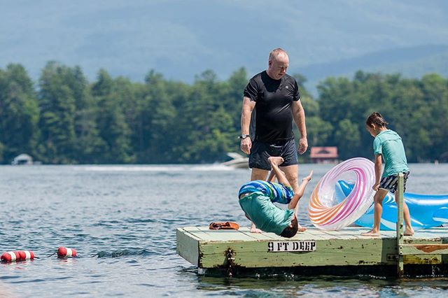 I was pretty impressed with Liam's flips... . #photosanity #resiliencethroughjoy #womensleadership #womensleadershipcoach #photographycoach #parenting #motherhood #momlife #workingmomlife #nineyearsold #sixyearsold #vacationlife #lakesideliving #dockjumping #lakegeorge #ilovevacation #ilovesummer #ilovemylife #ilovemykids #capturethemoment #bepresent #gratitudedaily #loveisresistance