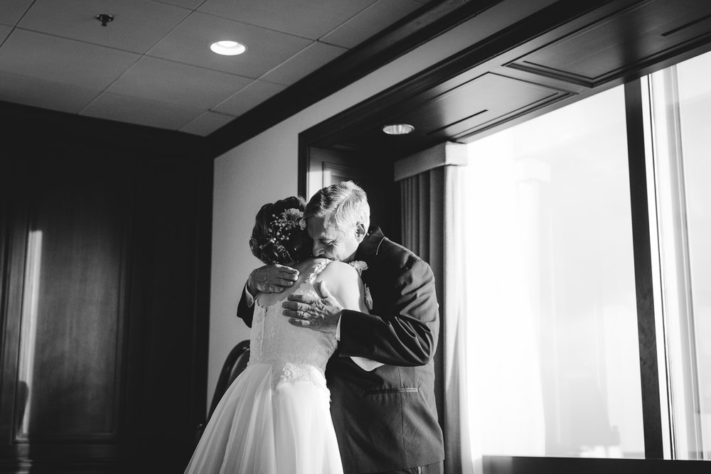 171111_Jesseandlex_LeahJohn_Wedding_Blog-129.jpg