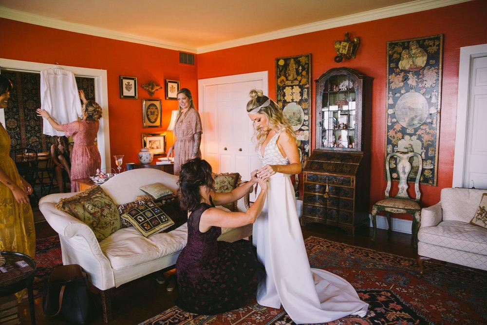 JesseandLex_181020_Aubrey_Josh_Wedding_GirlsPrep_114.jpg