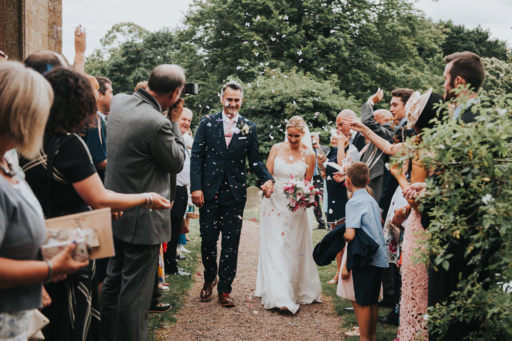 confetti and drinks reception in hereford wedding