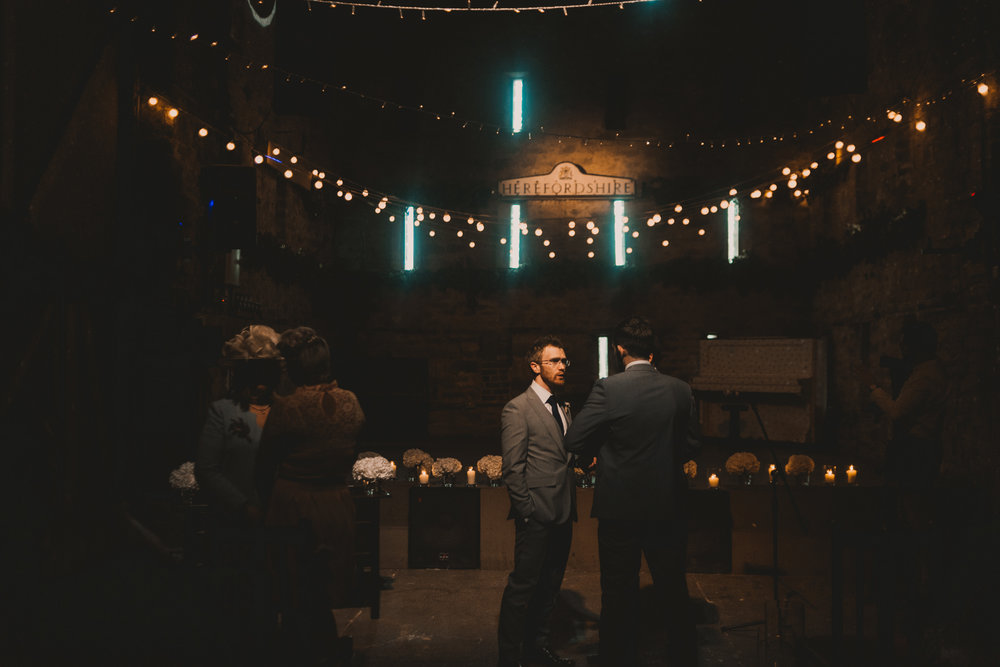 Herefordshire-barn-wedding-highlights-035.jpg
