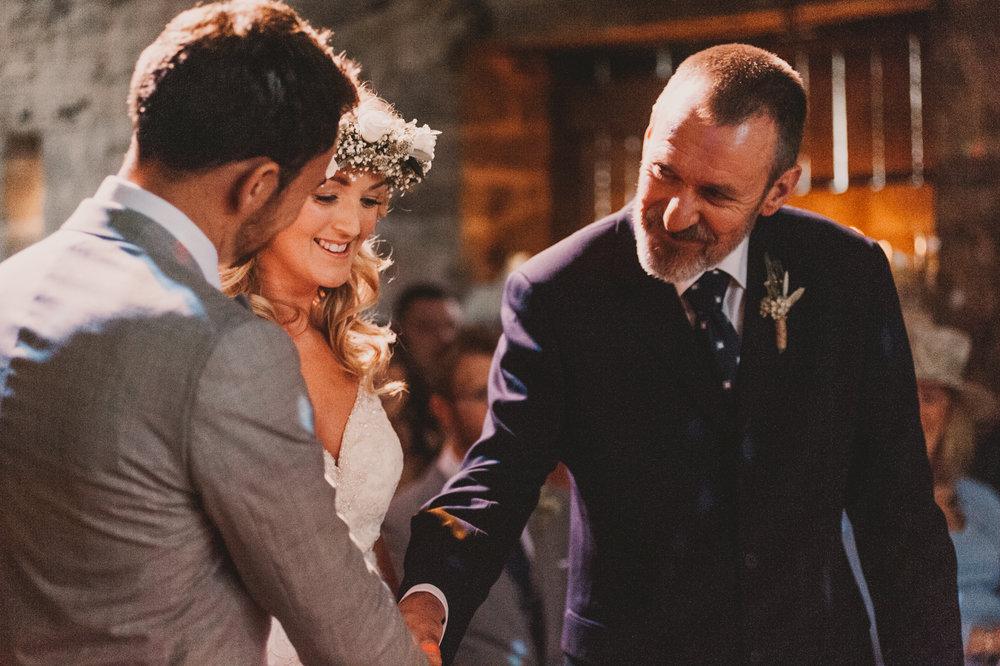 Herefordshire-barn-wedding-highlights-041.jpg