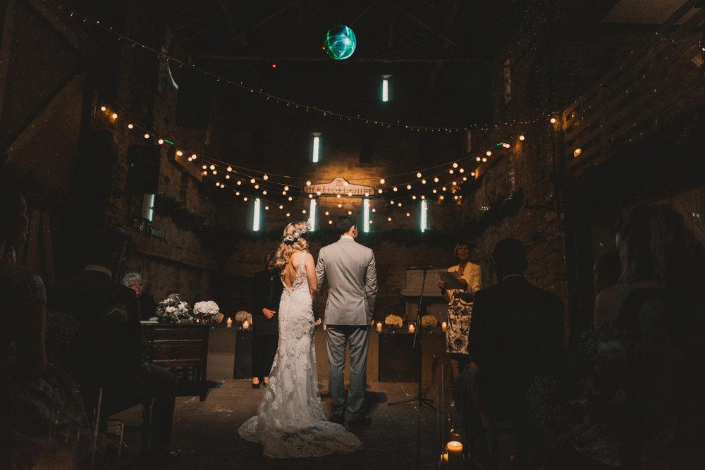 Herefordshire-barn-wedding-highlights-044.jpg