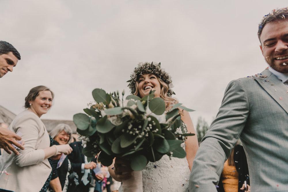 Herefordshire-barn-wedding-highlights-065.jpg