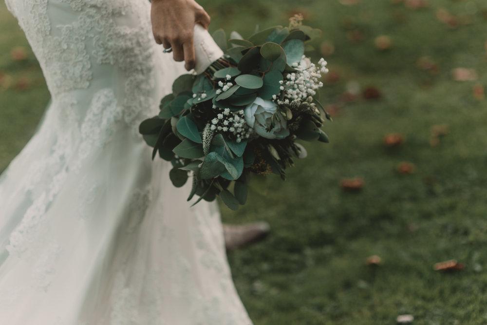 Herefordshire-barn-wedding-highlights-074.jpg