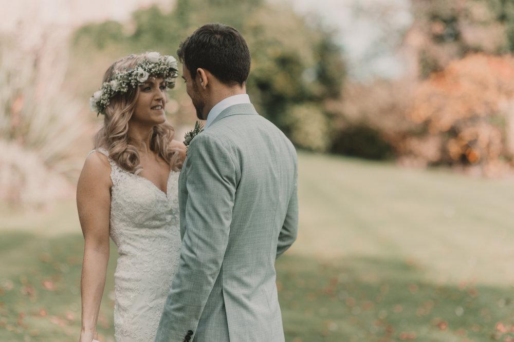 Herefordshire-barn-wedding-highlights-075.jpg