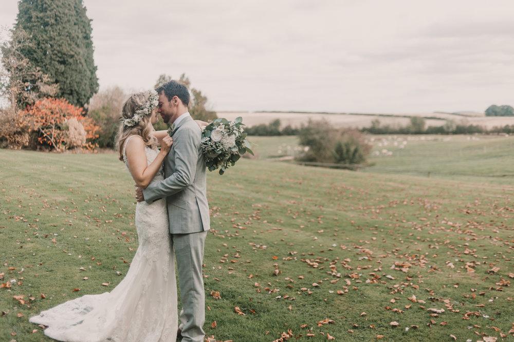 Herefordshire-barn-wedding-highlights-079.jpg
