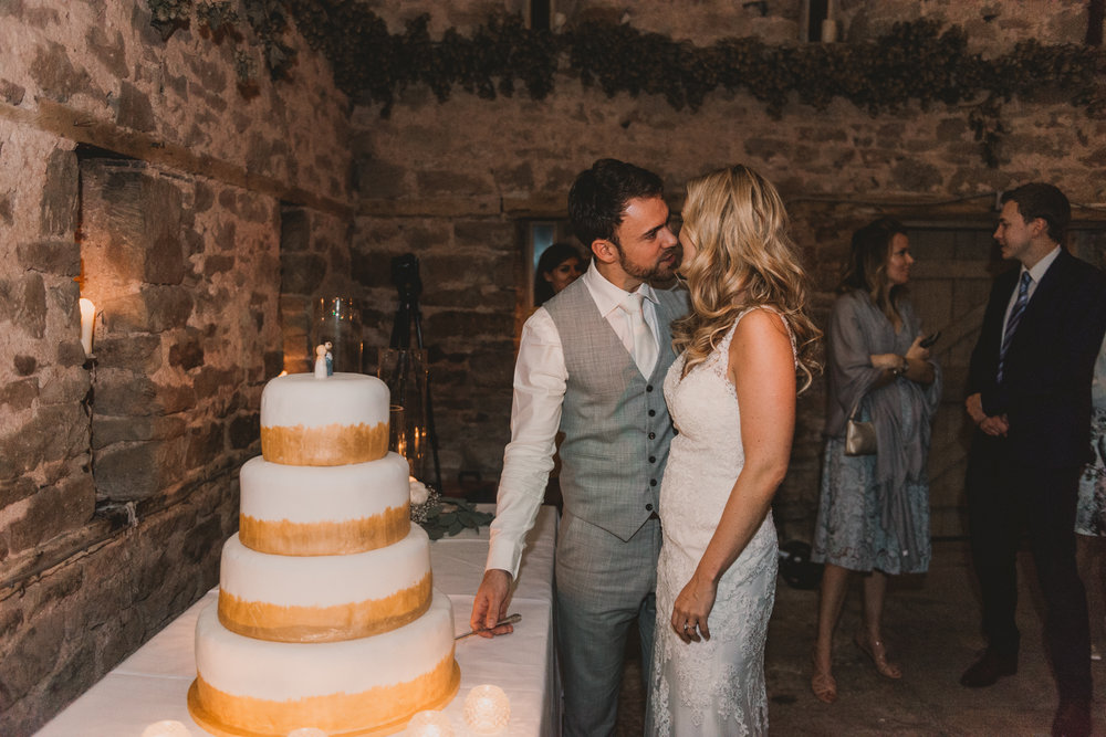 Herefordshire-barn-wedding-highlights-143.jpg