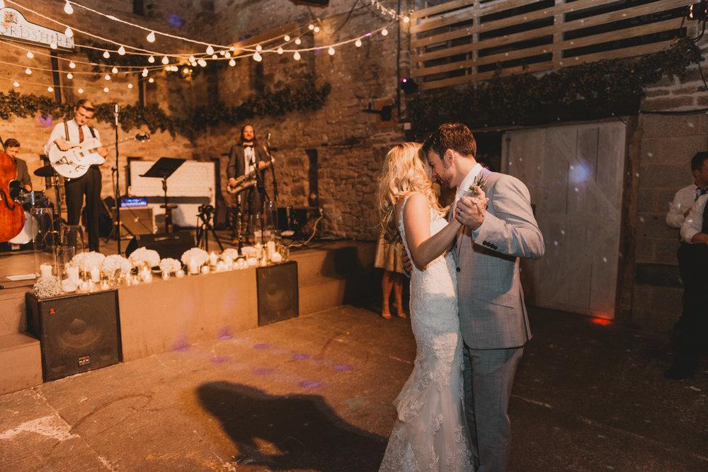 Herefordshire-barn-wedding-highlights-147.jpg