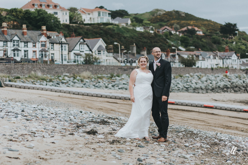 The newlywed couple take a stroll on Deganwy marina