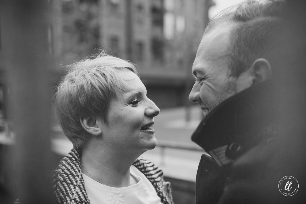 northern quarter couple shoot-black and white