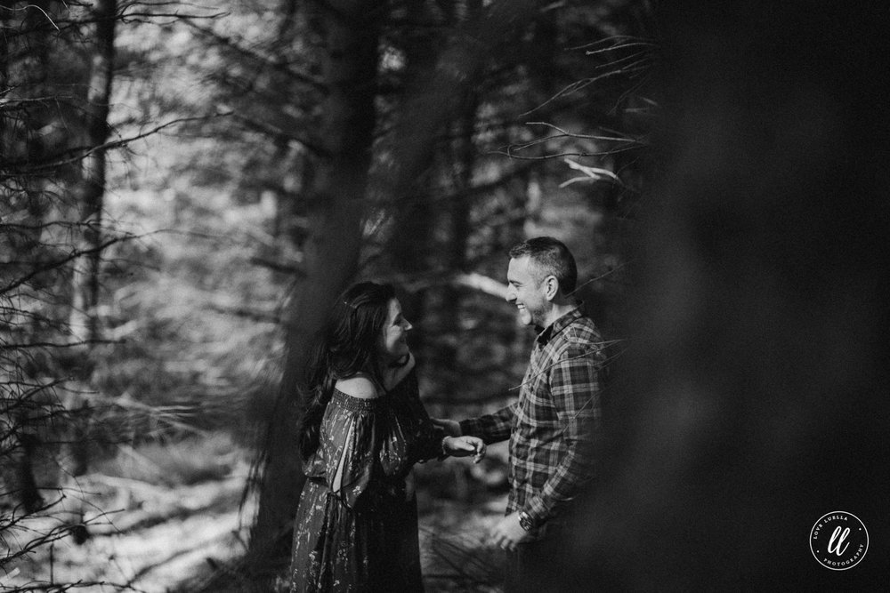 forest couple photography vale of clwyd