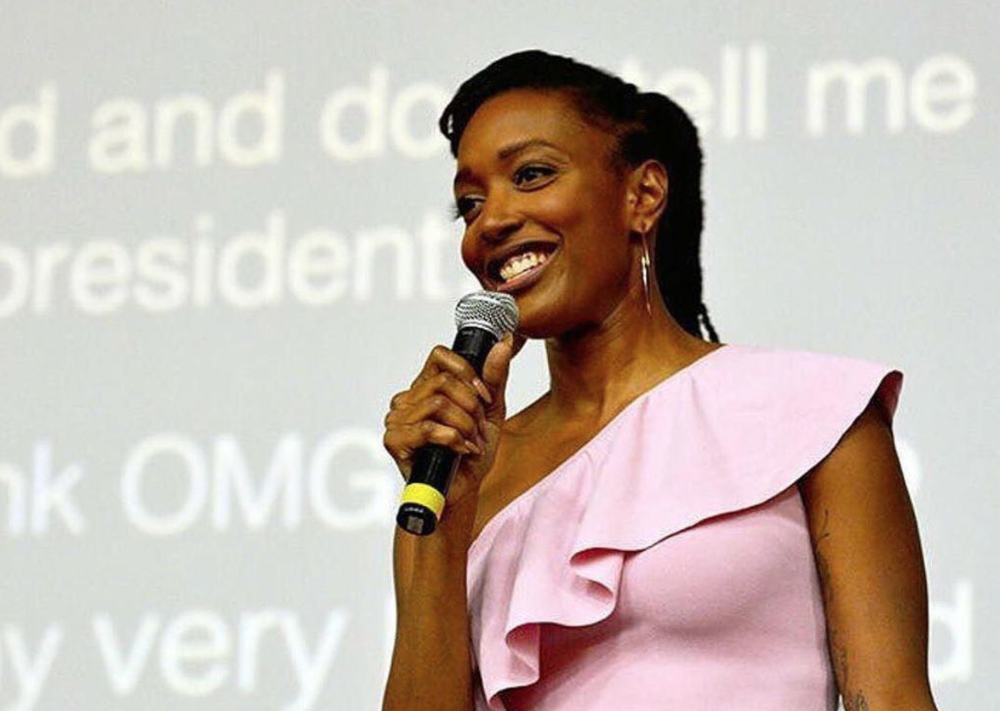 c/o:  Franchesca Ramsey  , actor, author, former,  @lastname_basis  pod & host of  #MTVDecoded .