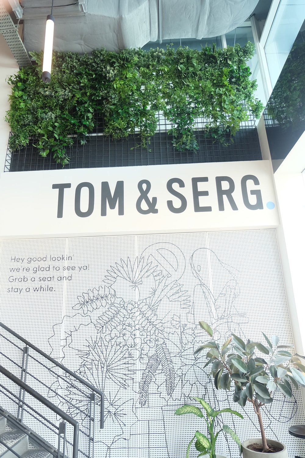 Tom & Serg Dubai