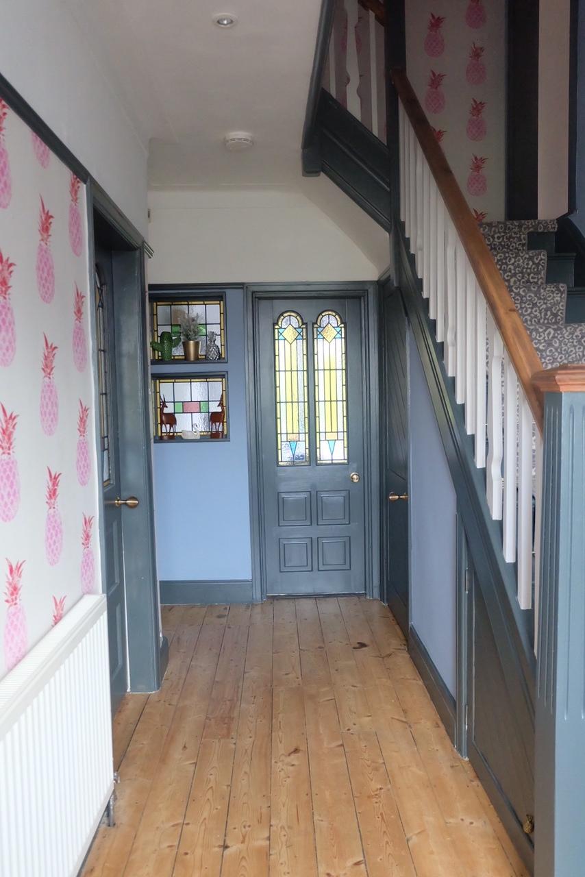 Pineapple pattern & Down Pipe Hallway