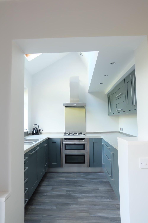 Down Pipe dark grey Kitchen