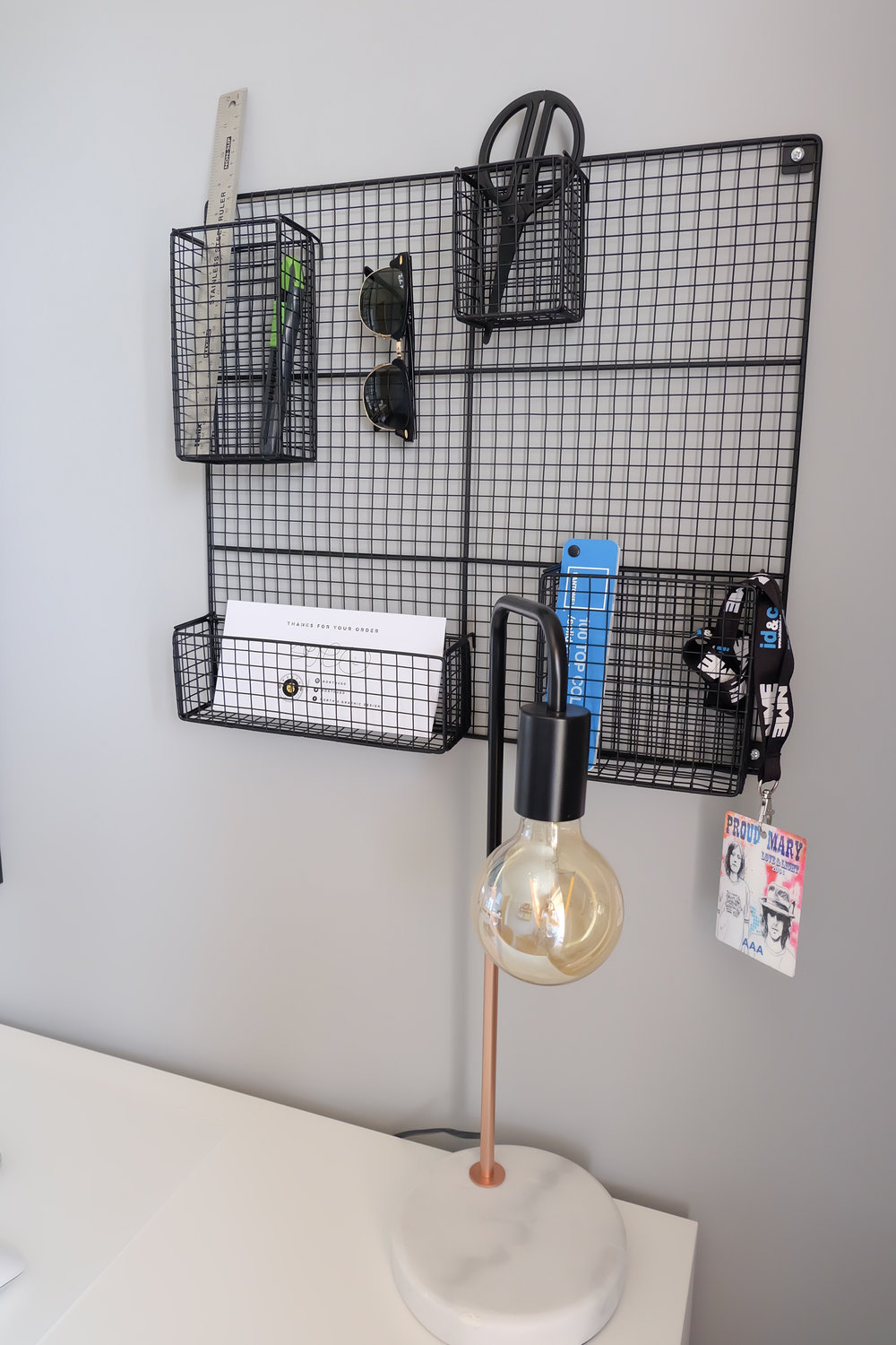 Wire Mesh Stationary Holder