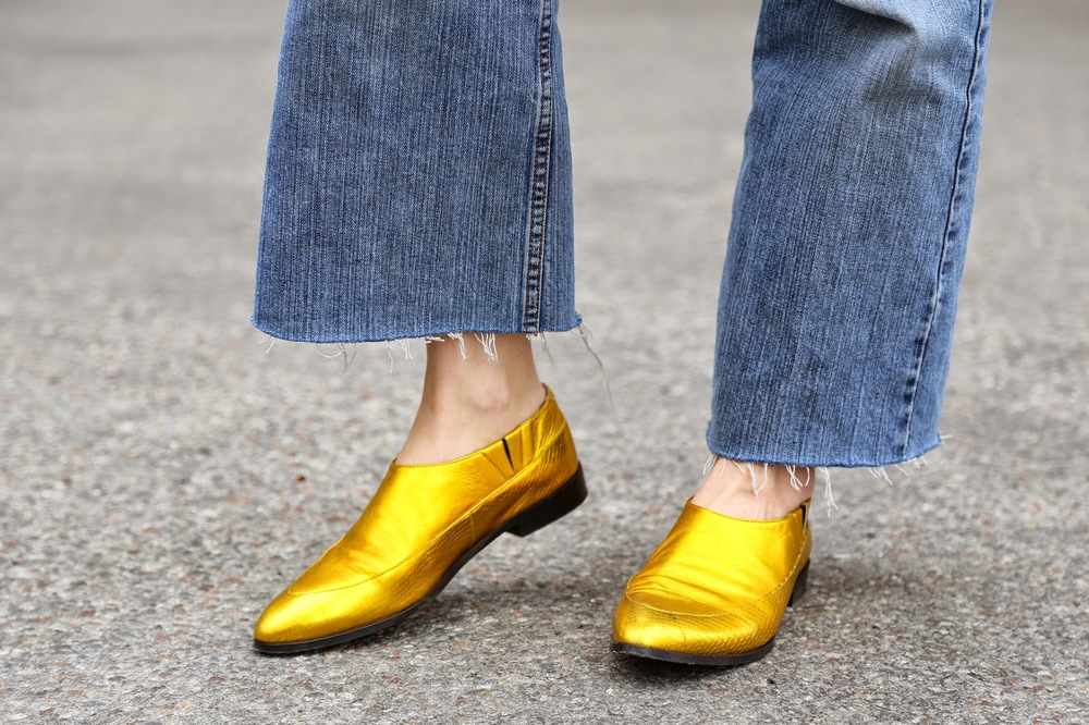 Gold shoes ss15