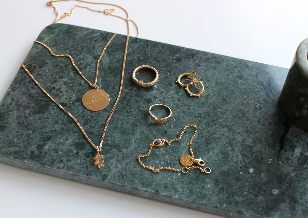 everyday jewellery in gold