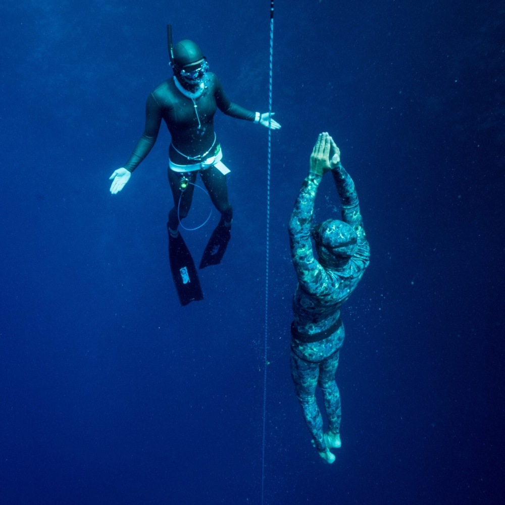 Freediving spiritwnunder freediving is diving into the self a state of no mind beyond our imagined fears and limitations a place of peace and oneness xflitez Choice Image