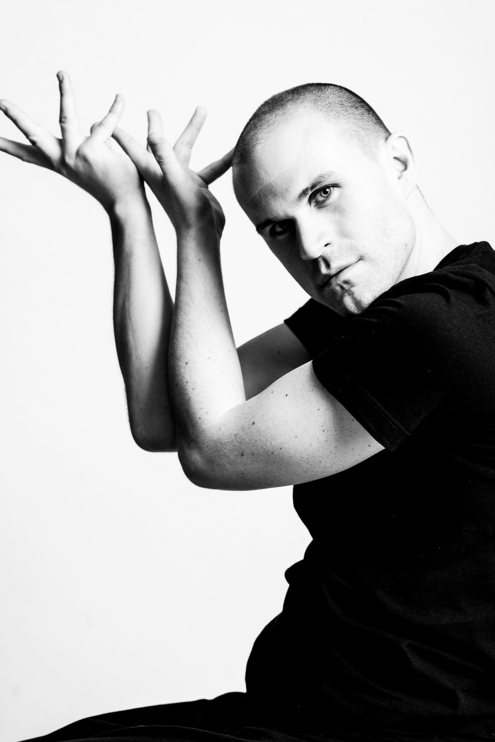 Dark Circles welcomes dancer Zac Hammer to the company Photo by Sergio Garcia