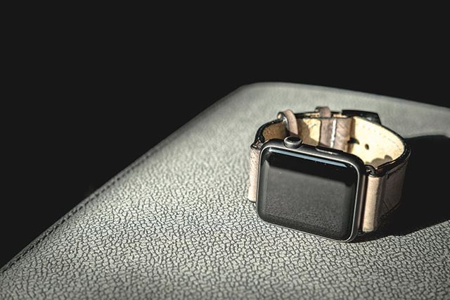 Heading into the week with some nude straps and a joyous Monday #Strapley #apple #applewatch #tech #handmade #iphone #holidays #giftideas #strapley #bespoke #iphone #iphone7 #bespoke #handmade