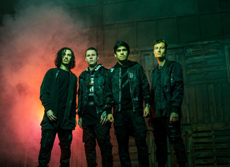 Find Crown The Empire Online     www.crowntheempire.net