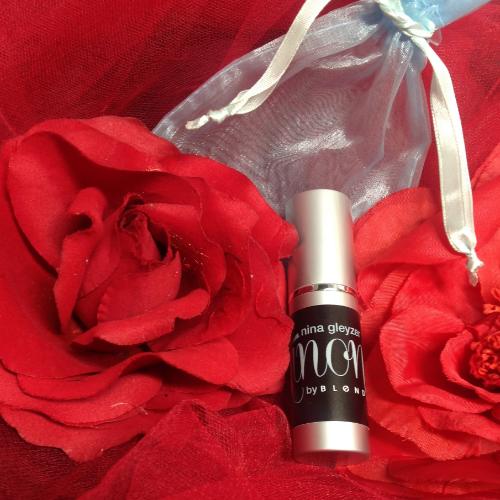 NINÓN perfume by fashion designer Nina Gleyzer