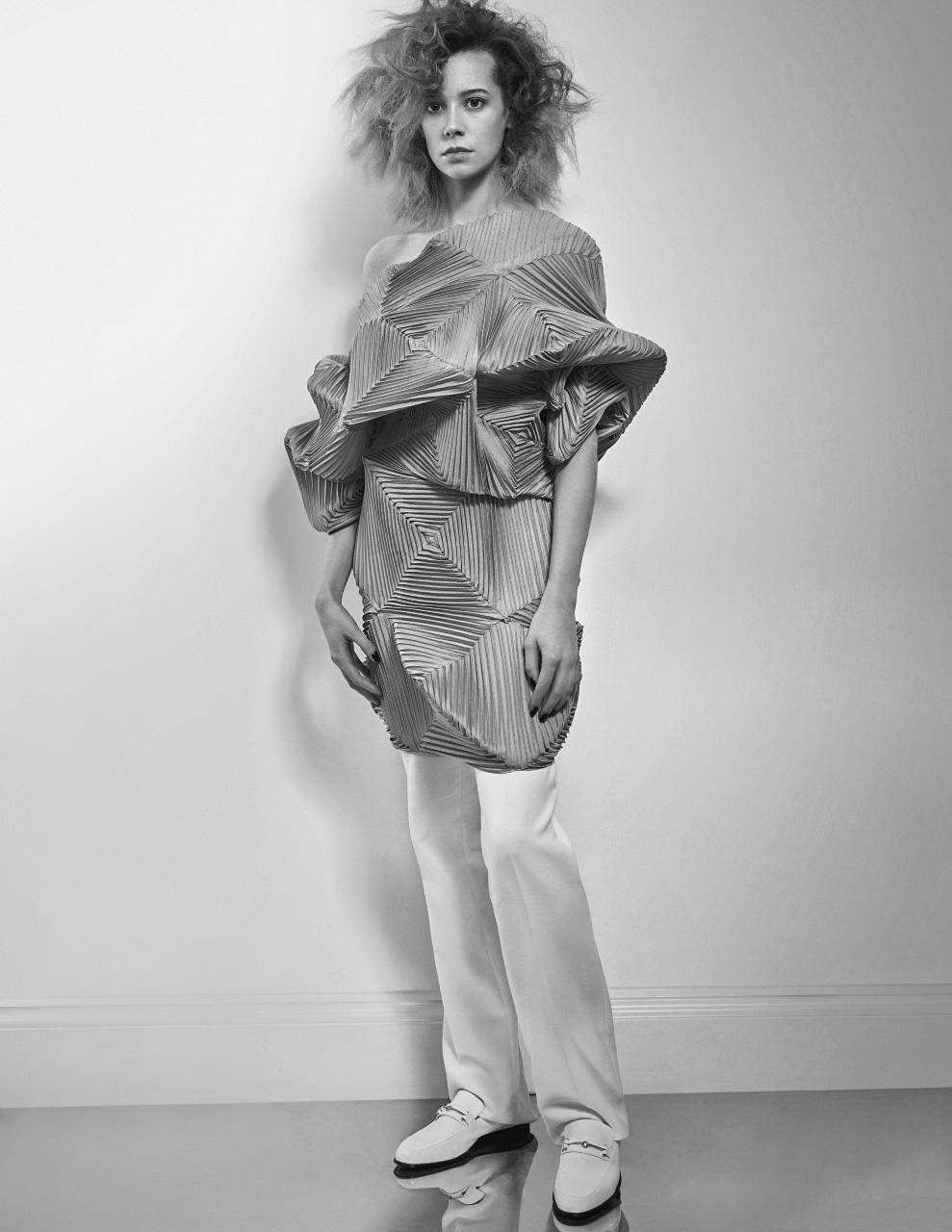 Chloe Pirrie Interview magazine2.jpg
