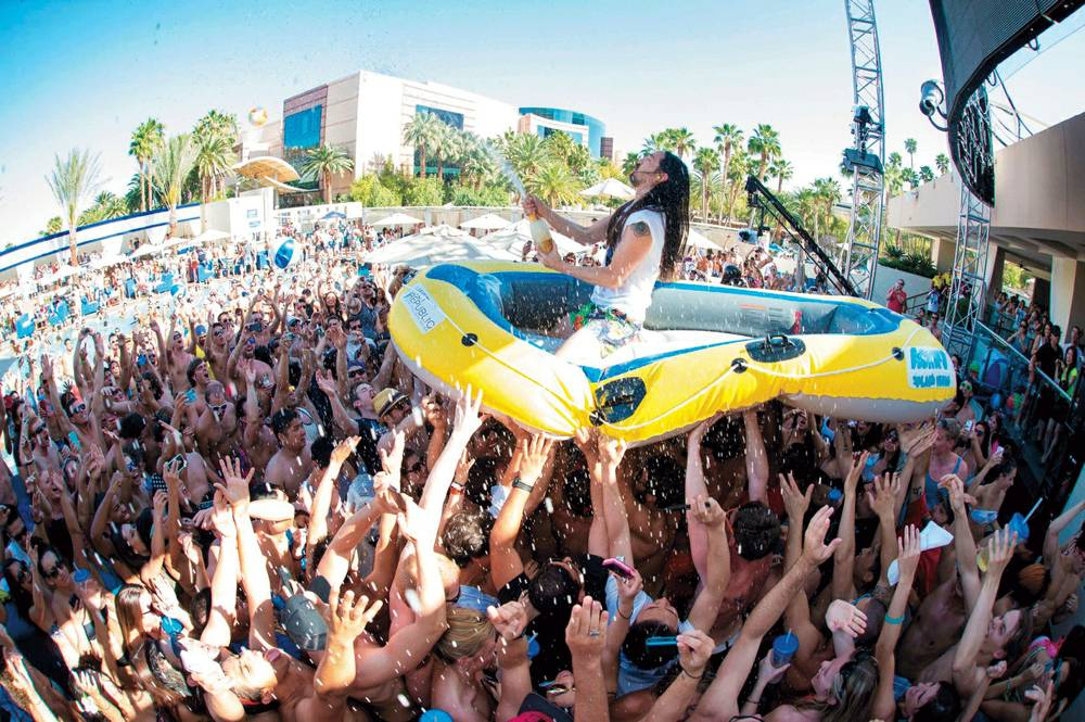 steve_aoki_by_al_powers_powers_imagery_t1000.jpg
