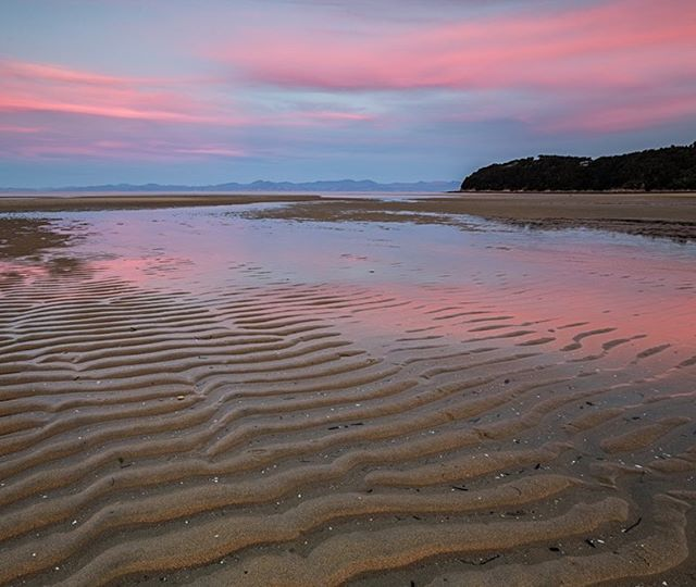 Last nights sunset was a cracker. It was worth getting wet shoes to grab a photo of it... This was shot from Marahau Estuary. --------------------------------#wildernessculture #ig_newzealand #ignz #newzealand #nz #kiwi_photos #kiwipics #nzmustdo #newzealandvacations #newzealandguide #purenewzealand #nelsonshines #realmiddleearth #nisifiltersanz #canonnz #hpow