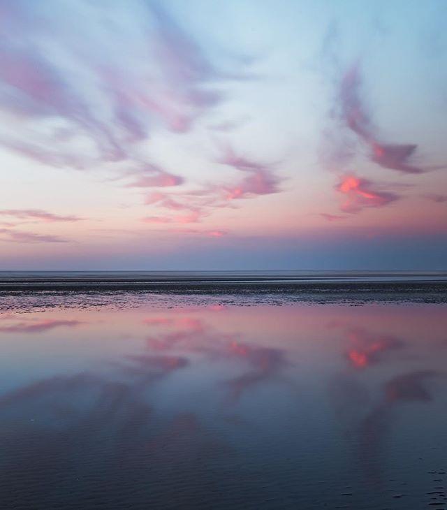 Golden Bay sunset goodness!  #purenature #purenewzealand #kiwipics #southisland #canonnz #goldenbay #nelsonshines #ilovenelsontasman #nisifiltersanz #newzealandguide