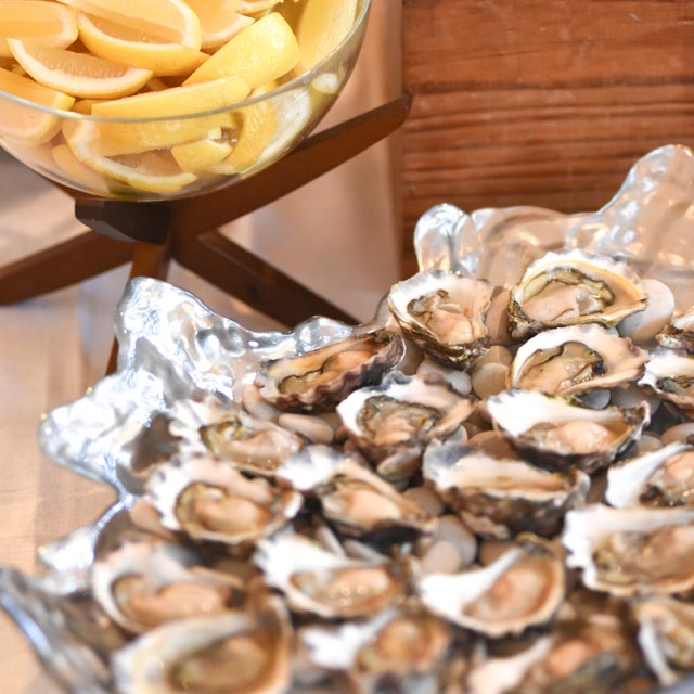 CORPORATE | OYSTER BAR + GRAZING TABLE