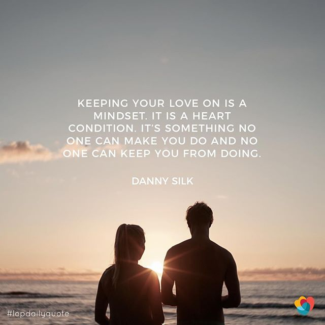 No one can make you keep your love on, you have to choose it! —— #kylo #keepyourloveon #lovingonpurpose #loveoverfear #lifeacademy #relationship101