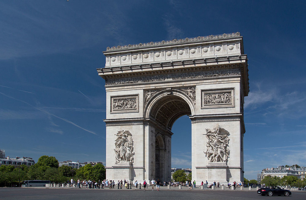 1200px-Arc_de_Triomphe,_2_August_2015_002.jpg